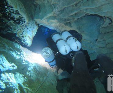 Budapest / Ungarn: Molnar-Janosz – Cavediving in der Thermalquelle von Budapest